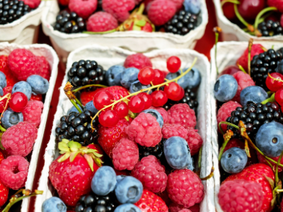 Cholesterol lowering foods - berries
